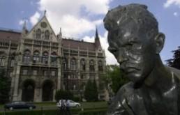 Elutasítják a budapestiek a Kossuth tér átépítését