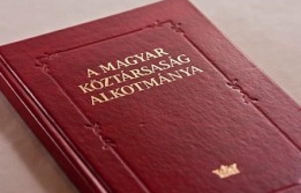 Négy alkotmányterv - négy jövőkép